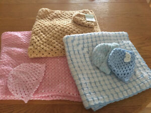VARIETY OF BABY BLANKETS WITH MATCHING HATS