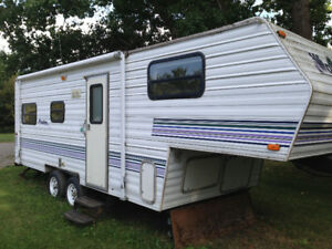 Second hand camper trailer