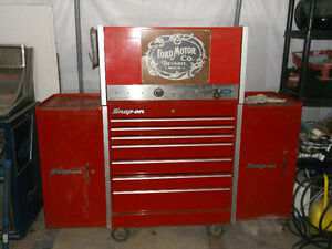 SNAP ON TOOL BOX FULL OF EXCELLENT TOOLS