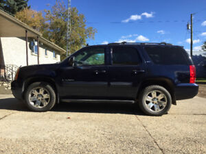 2008 SLE YUKON  EXCELLENT CONDITION