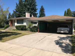 Custom Built Bungalow on 3 lots in Prime S/S location