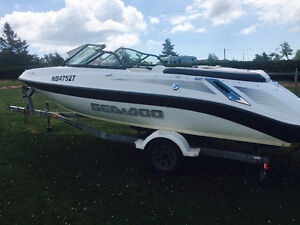 Mint 2007 Seadoo utopia 22.5 ft.....speed, power and style !