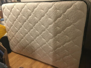 Double mattress and box spring, delivery included