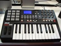 AKAI PROFFESIONAL MPK 25 MIDI KEYBOARD WITH MPC PADS,AS NEW NEVER BEEN USED,PLEASE SEE AD