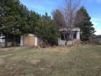 Lot and a mobile home in Stirling