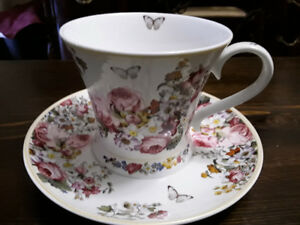FINE BONE CHINA OVERSIZED BREAKFAST CUP AND SAUCER