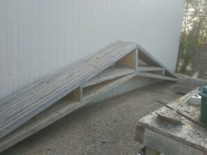 12- 25 foot pre-fabricated roof truss