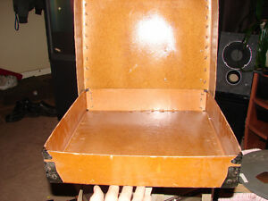 Fiberbilt shipping case / 3  reels in case Antique 20s Strathcona County Edmonton Area image 4
