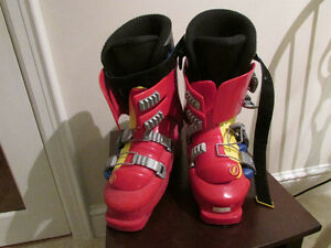 Men's Tyrolia Ergonomic Ski Boots size 91/ 2-10 LIKE NEW