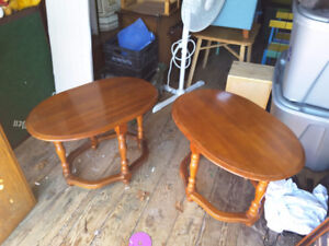 2 matching oval end tables