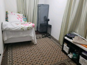Furnished room in ajax