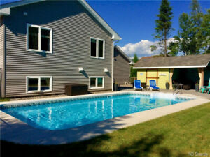 CUSTOM BUILD QUISPAMSIS w/ IN GROUND POOL