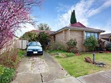 6 mins walking to hoppers crossing station, big/tidy House Hoppers Crossing Wyndham Area Preview
