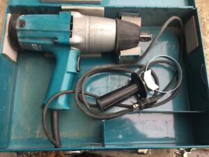 Impact wrench 3/4 électrique Makita 6906