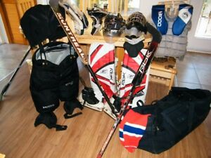 ensemble complet de gardien but (patin,pads,casque,cou,etc...)
