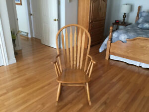 Solid oak rocking chair for sale excl. condition