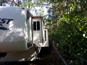 2006 40ft Everest fifth wheel