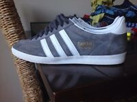 Adidas original gazelle size 8