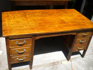 ANTIQUE 100 YR OLD VINTAGE QUARTER SAWN OAK TEACHER BANKER DESK
