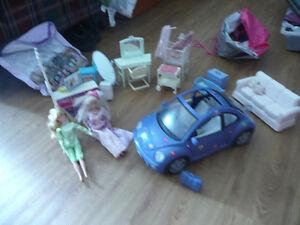 Barbie : poupées, accessoires maison et Volswagen Coccinelle