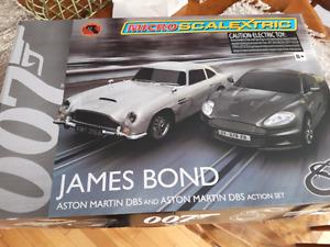 James Bond race car track set
