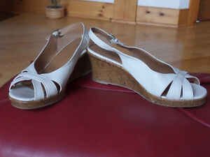 Ladie's shoes,sandals,like new,sz 10,skates,boots,runners Sarnia Sarnia Area image 10