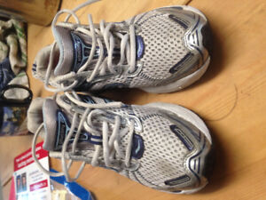 saucony size 11 running shoes
