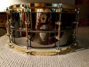 MINT Ludwig black beauty
