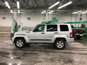 2009 Jeep Liberty Limited LOW KM's
