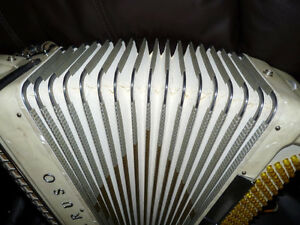 Caruso accordion for sale Peterborough Peterborough Area image 4