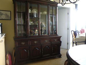 GIBBARD SOLID MAHOGANY D/R SUITE WITH BUFFET & HUTCH