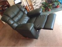 La-z-y boy green leather reclining chair. Immaculate condition.