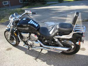 2002 honda vf-750c magna parts bike London Ontario image 6