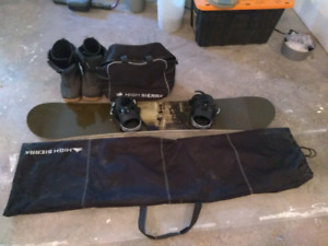 Avalance Snowboard & accessories. Very lightly used.