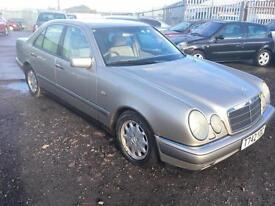 1999/T Mercedes-Benz E240 2.4 auto Elegance LONG MOT LOW MILEAGE