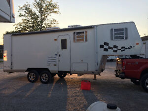 26 ft 5th Wheel Toy Hauler - with seperate garage