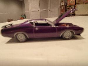 Loose Greenlight  '71 DODGE CHARGER SUPER BEE STOCK & CUSTOM Sarnia Sarnia Area image 1