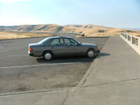 1990 4Dr Mercedes-Benz 300 E  6 cyl, gas  - for parts