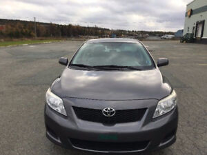 2010 Toyota Corolla Sedan-excellent condition and low km