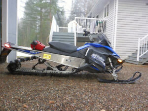 2010 Skidoo Summit 800 - low kilometers, also includes extras