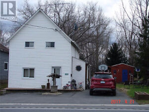 House for sale in the town of Monkland