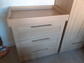 Chest of drawers/ changing table