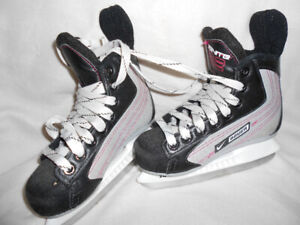 Boys Bauer Ignite Hockey Skates - Sz. 13