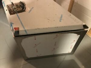 Stainless steel trailer tongue box with keys