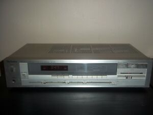 Technics SA-210 am/fm receiver with Phono Input..old school
