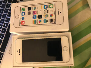 Iphone 5s 32GB- Factory Unlock Silver