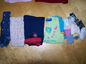 AUBAINE , 2 photos ,  lot vetements pour fille   3  -  4 ans