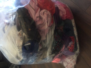 Large bag of girls 24month/2t clothes