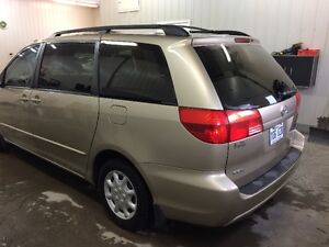 2004 Toyota Sienna le Fourgonnette, fourgon Saguenay Saguenay-Lac-Saint-Jean image 6