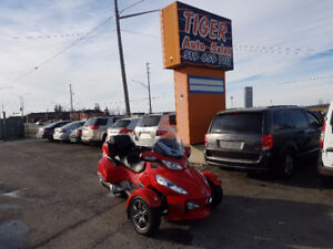 2012 CAN-AM SPYDER RT-S**MANY EXTRAS**ONLY 27 KMS**MINT CONDITON